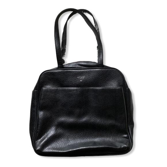 Matt & Nat Handbags - EUC Matt & Nat Vegan Leather MALONE bag